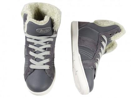 Sportowe damskie buty z korzuszkiem