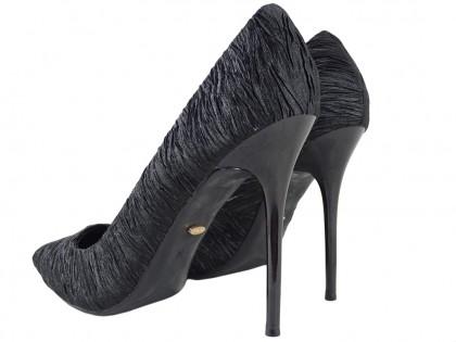 Czarne wysokie klasyczne buty szpilki