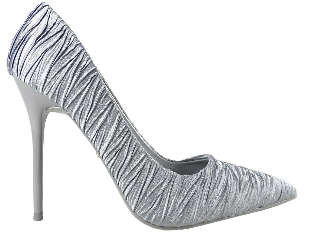 Szare wysokie klasyczne buty szpilki