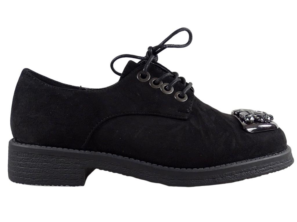 Płaskie buty damskie z cyrkoniami