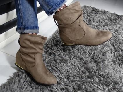 Płaskie buty damskie za kostkę beżowe