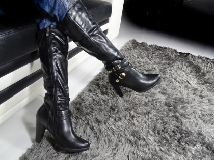 Ladies' black leather boots with belt - 2