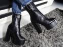 Czarne botki na słupku buty na platformie
