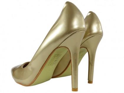 Złote szpilki damskie perłowy odcień buty
