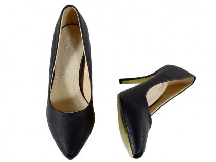 Czarne matowe szpilki damskie czółenka