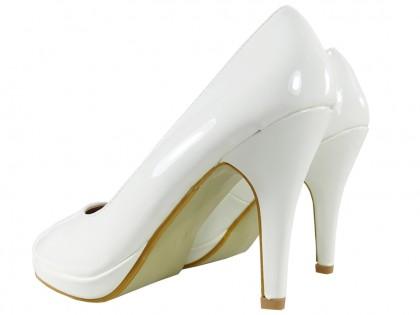 Białe szpilki damskie na platformie buty ślubne