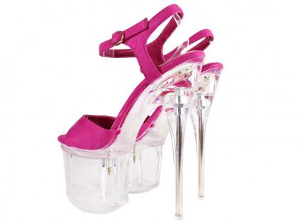 Rosa High Heels aus Wildleder auf der Glasplattform - 2