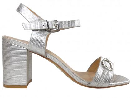 Női ezüst szandál a matt matt cipőn - 1