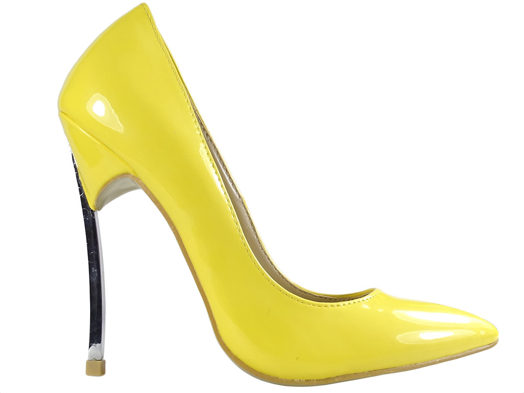 Yellow female pins boots with metal pins - 1