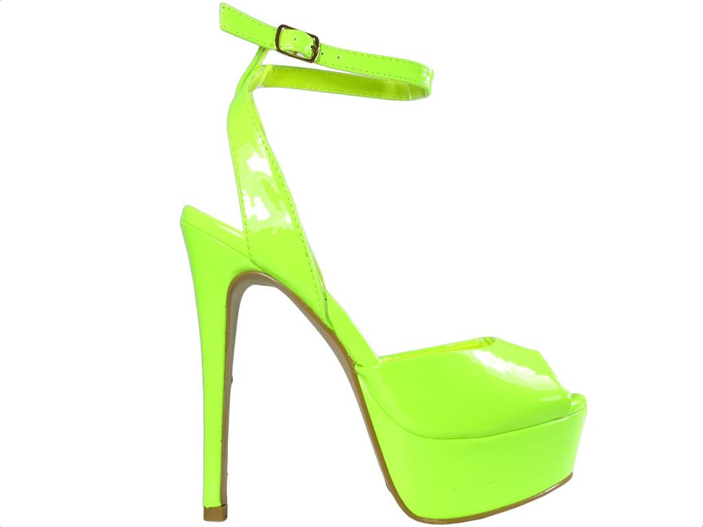 Neongelbe Sandalen auf Pins Damenschuhe - 1