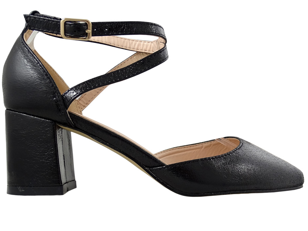 Black low female shuttles with ankle strap - 1