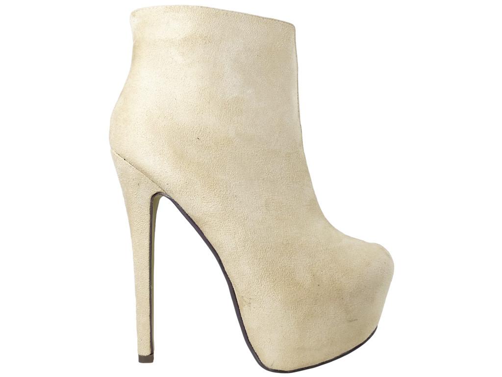 Beige Stiefel auf dem Plateau Wildlederstiefel für Frauen - 1