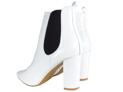 White lacquered women's heeled boots - 2
