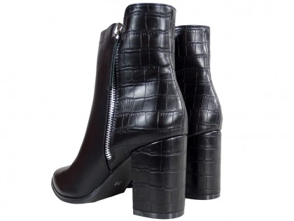 Black women's heeled insulated boots - 2