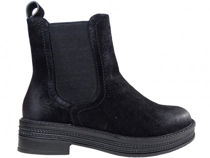 Black flat insulated women's boots - 1