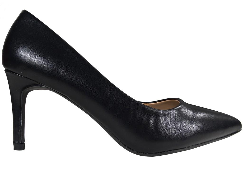 Niskie czarne matowe szpilki damskie - 1