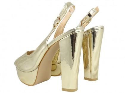 Złote sandały na platformie eko skóra lustro