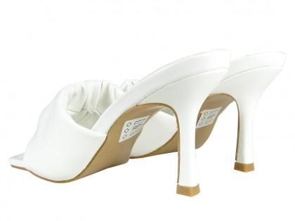 Białe szpilki eko skóra buty ślubne lakier