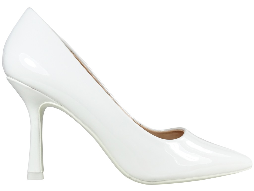 Białe szpilki buty slubne lakier eko skóra