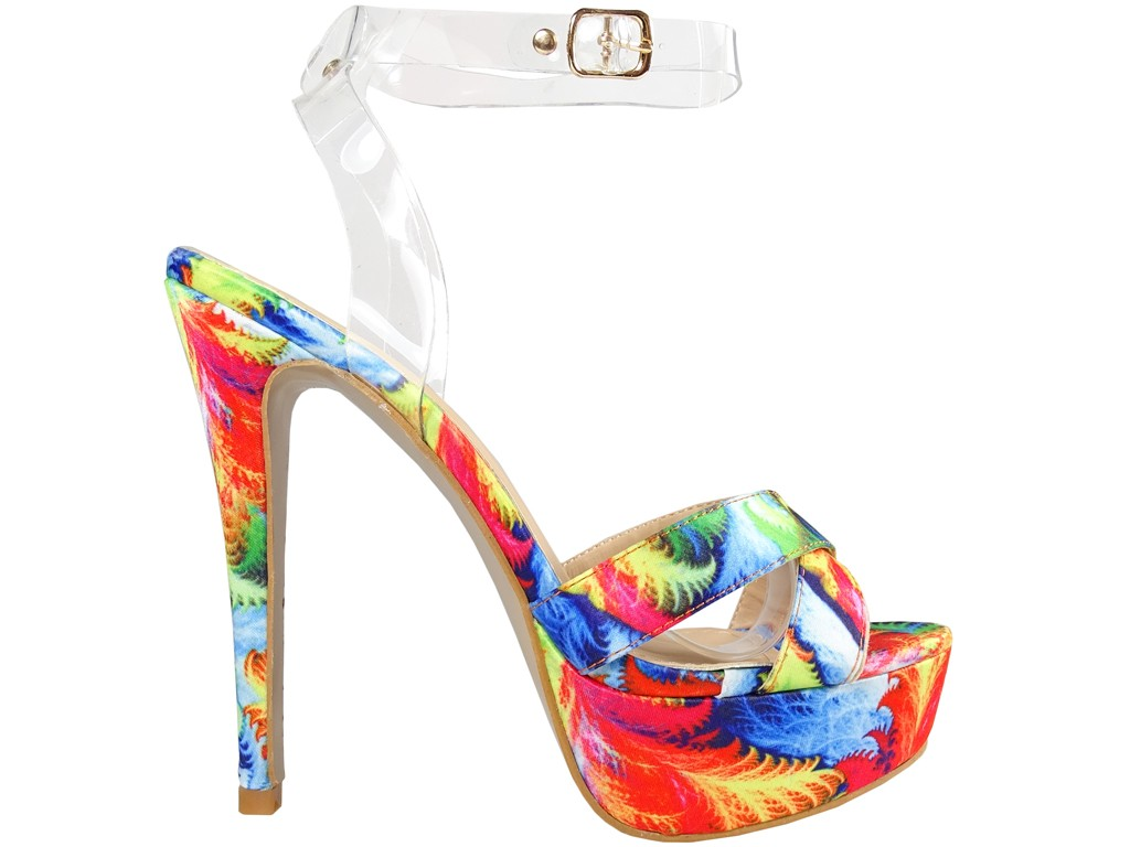 Kolorowe sandały na platformie z paskiem