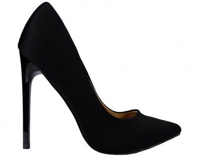 Női magas tűsarkú cipő fekete anyaggal - 1