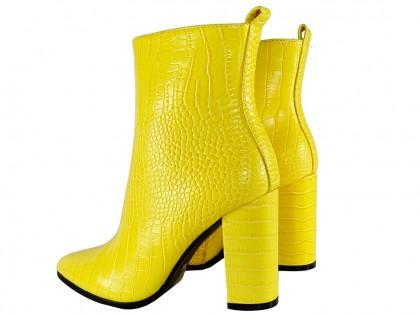 Żółte botki damskie eko skóra na słupku - 2